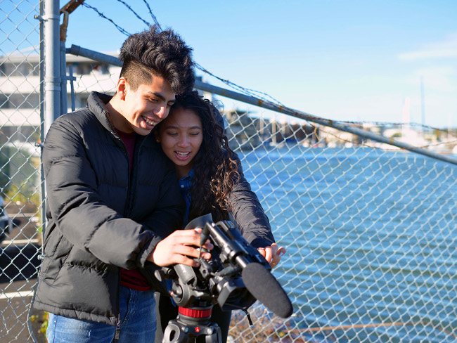 Youth Exploring Sea Level Rise Science (YESS) students film King Tides (Credit: Abernathey)