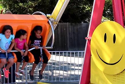 Happy Swing Carnival Ride